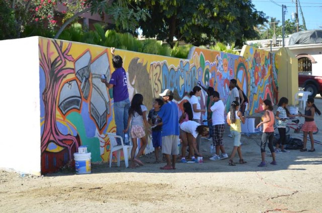 Painting a living witness; a community mural to 'mark' the legacy of the 5-month participatory planning process. In the future when local residents pass by the work of art, they will remember that they played a valuable role in shaping the future of their community (Image Source: Atención a la Juventud, Municipio de Los Cabos).